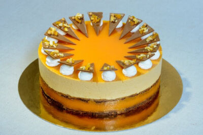 Pannonhalmi sárgabarack pálinkás karamell torta